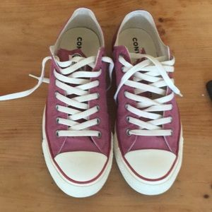 Converse size 10 for men's and sz 12 women's Used